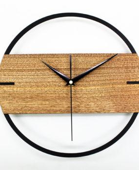 Đồng hồ viền đen