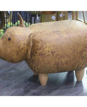 Ghế hình con lợn màu cam